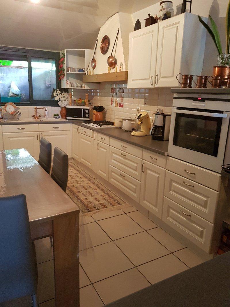 Vente maison 5 pieces de 140 m2 97412 bras panon 658 for Cuisine ouverte 22m2